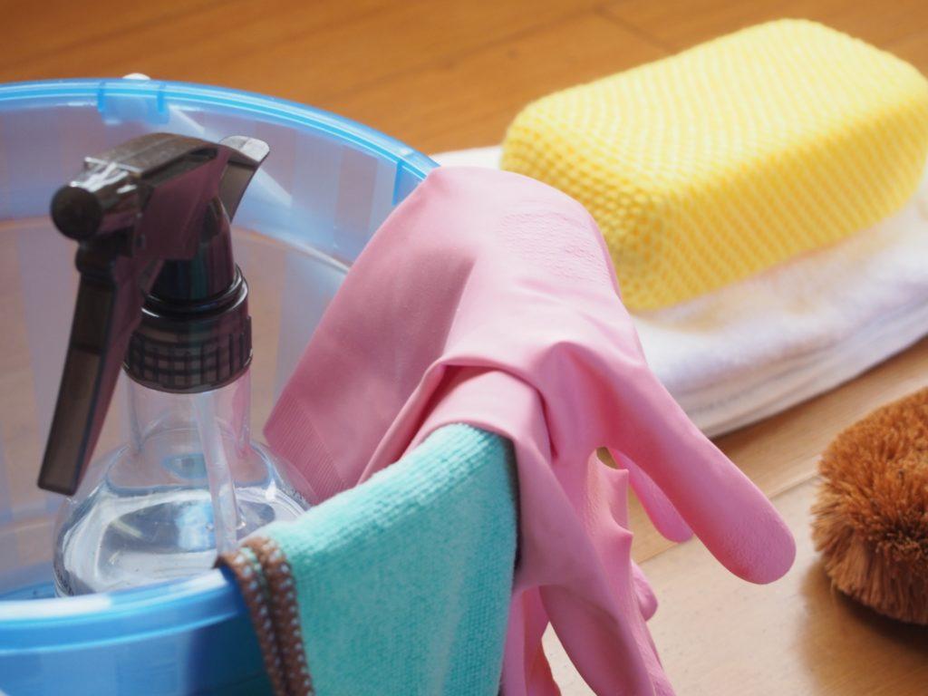 壁紙 クロス の掃除方法と必要な道具を汚れの種類ごとに紹介 不動産の学校